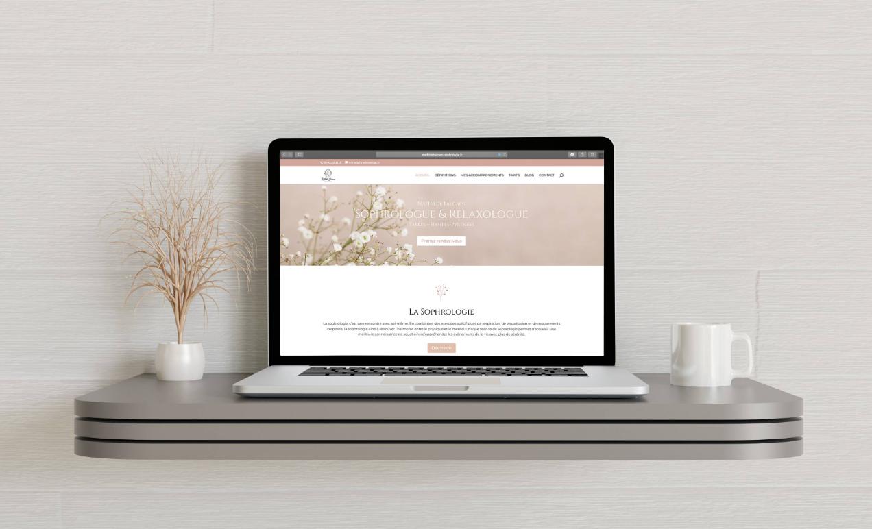 Le mockup du site internet de la sophrologue Mathilde Balcaen à Tarbes.